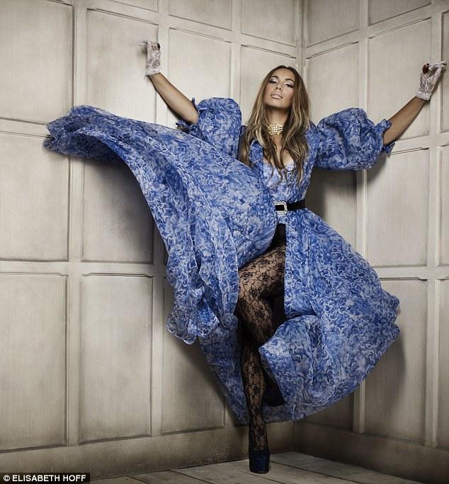 Leona Lewis Wear Jonathan Aston from UK Tights Singer Jonathan Aston Sweet Roses Tights