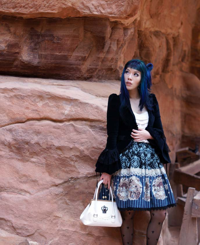 Petra jordan travel blogger press trip yalla tours