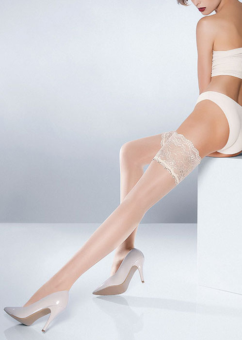 best-bridal-hold-ups-pierre-mantoux-parisienne