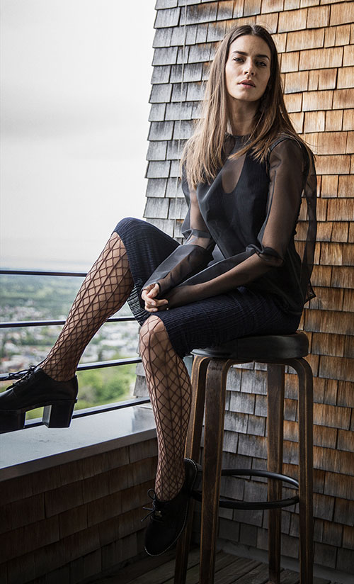 Wolford-Fishnets-Tina-Lifestyle