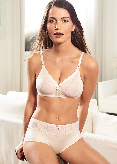 Playtex Retro Soft Cup Bra