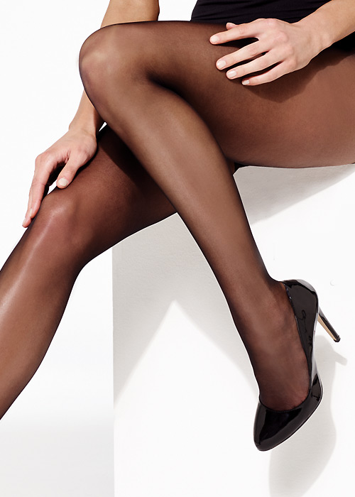 Run-Resist-Tights-do-and-don'ts-of-putting-on-your-tights